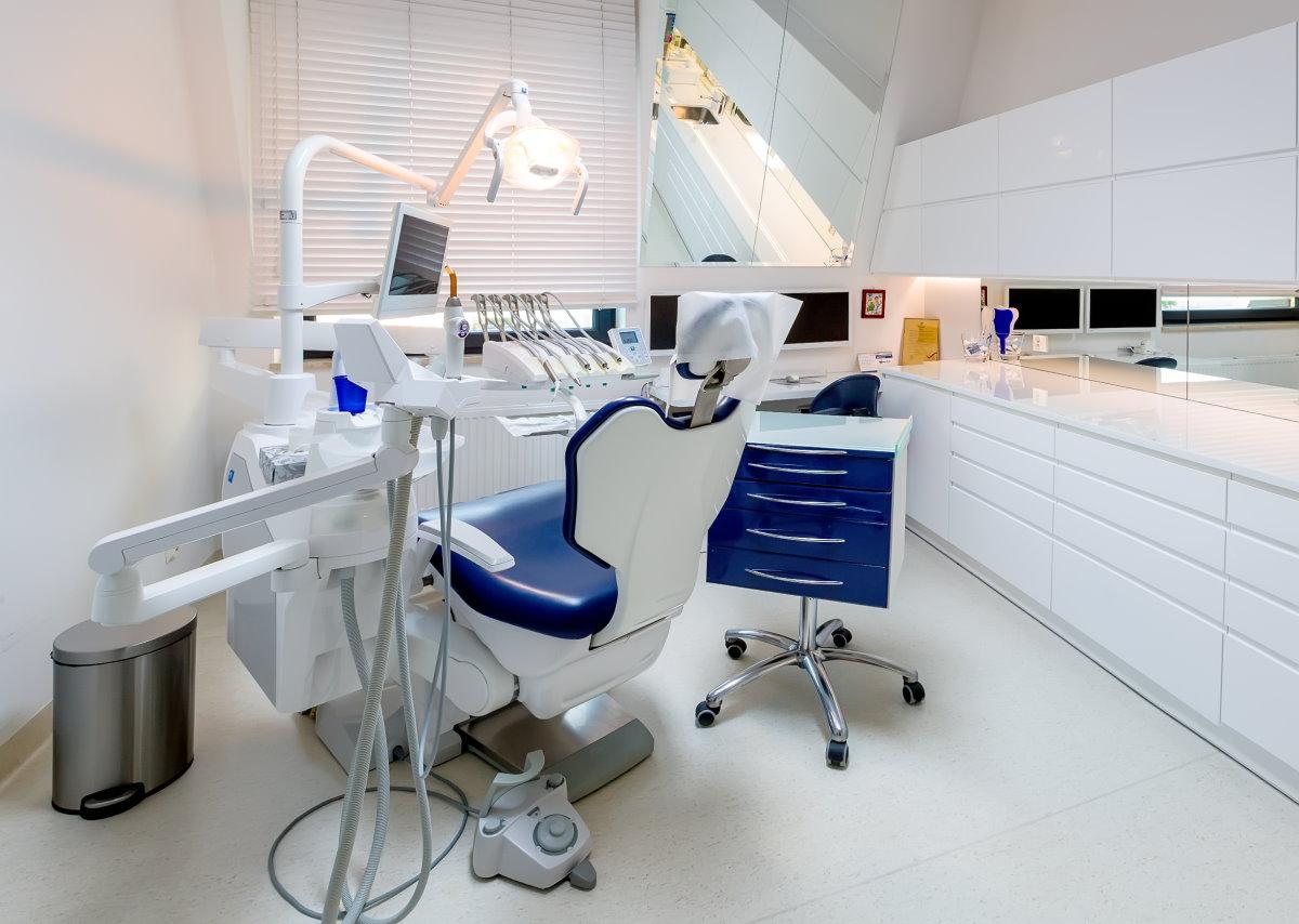 , Leczenie bezbólu, Dobry dentysta, stomatolog Aquarius Bełchatów
